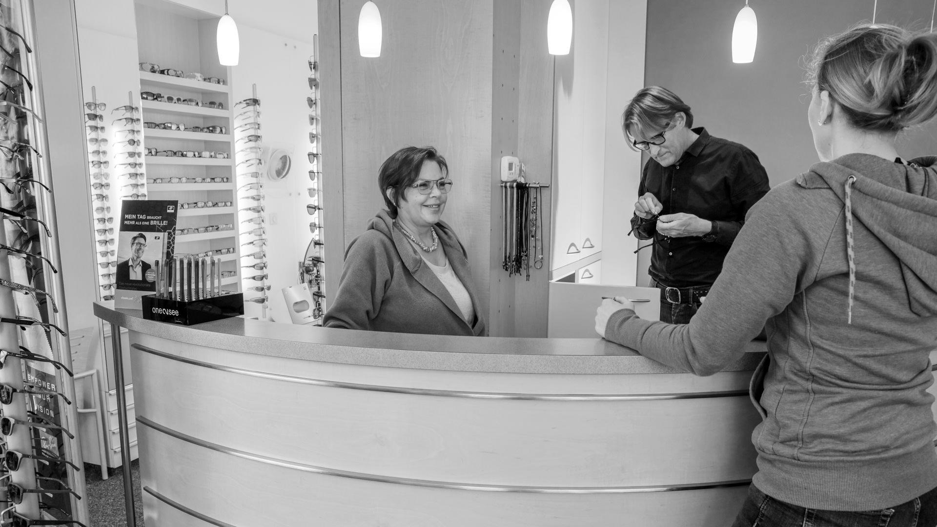 Behrens Optik - Tresen Monika und Thomas Leupold